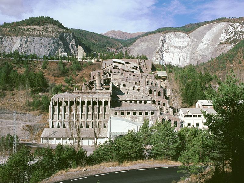 Fàbrica de ciment de Clot del Moro