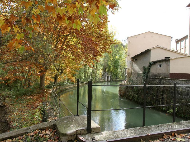 Canal de la colònia Viladomiu Nou