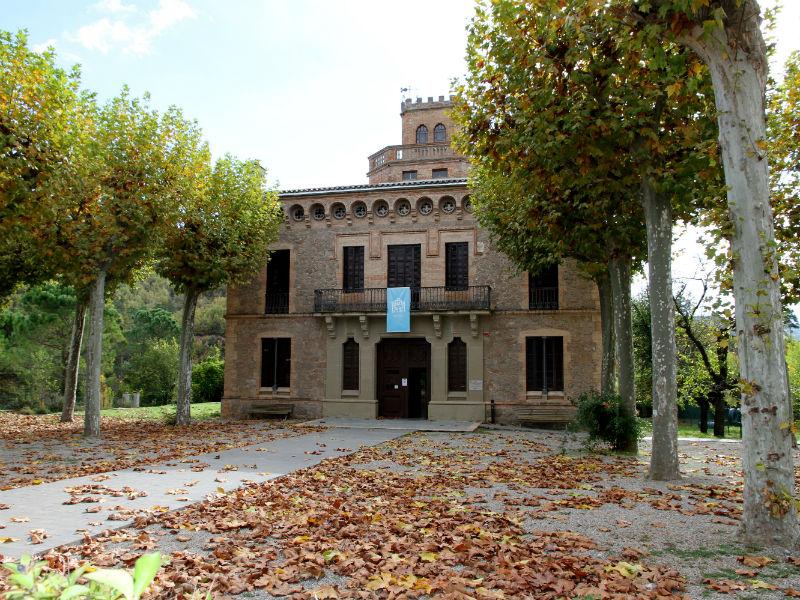 Torre de l'amo de la colònia Viladomiu Nou